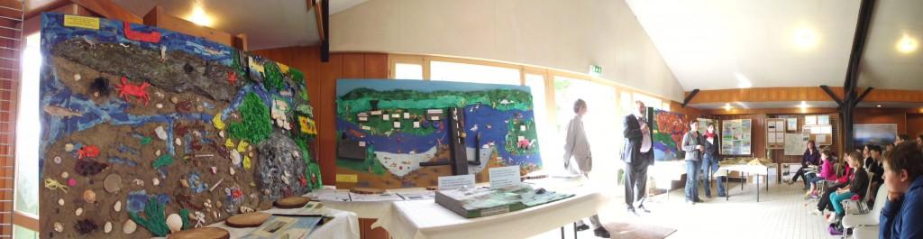Jean-Claude Lessard (PNRA) et Dominique Doreau (IEN) présentent l'ensemble des travaux réalisés par les enfants.