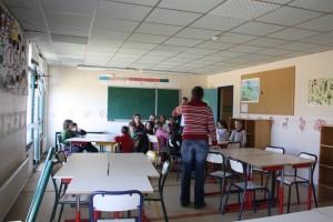 Présentation du centre aux enfants à Ti Menez Are