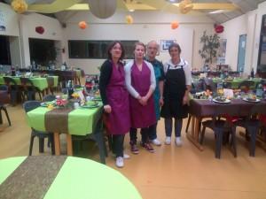 Personne service et cuisine (2)