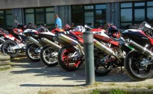 Gros plan des motos Ti Menez Are